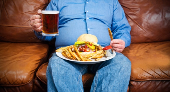 비만도 대물림된다. 유전적 측면뿐만 아니라 생활습관도 유전된다. 부모의 생활습관이 중요하다는 의미다. 서울신문 DB