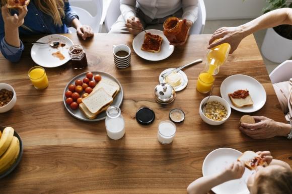 가족이나 동료와 함께 하는 식사는 정신건강 뿐만 아니라 육체건강에도 도움이 된다는 연구결과가 나왔다. 독일 막스플랑크 인간발달연구소 제공