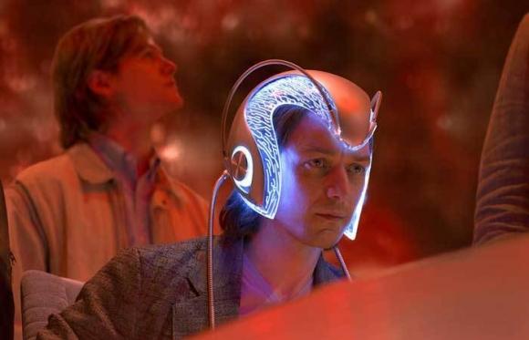 영화 '엑스맨'에 등장하는 자비에 박사는 '세레브로'라는 뇌파증폭기를 이용해 돌연변이 능력자를 찾는다. 과학자들이 다른 사람의 뇌를 읽는 방법을 개발해 화제다. 영화 '엑스맨'의 한 장면