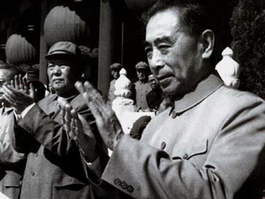 저우언라이(오른쪽)와 마오쩌둥 두 사람은 모두 고대 요동은 우리 민족의 역사강역이었다고 인정했다.