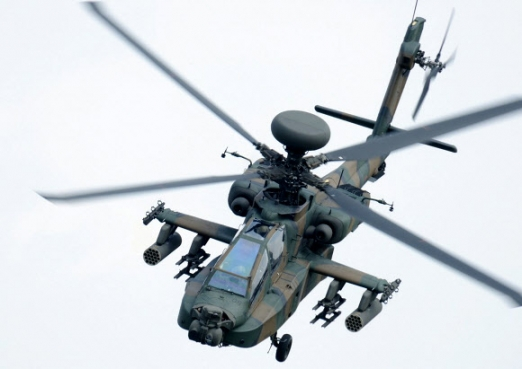 5일 추락한 구마모토현 세이부호멘 항공대에 소속된 공격형 헬기 AH64D. AP 연합뉴스