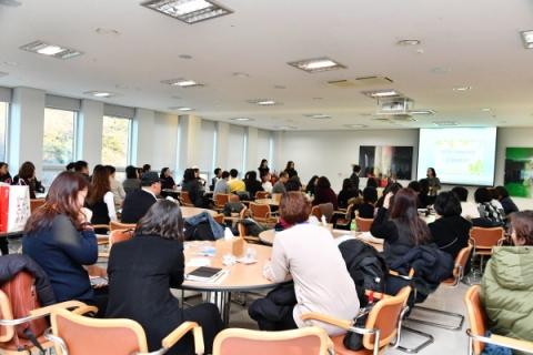 서울사이버대학교는 오는 20일까지 신·편입생을 모집한다. 신입학은 고졸학력 이상이면 누구나 지원할 수 있고, 편입학은 학년별 학력자격만 충족하면 지원 가능하다.