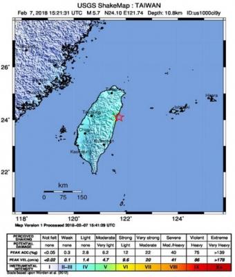 대만 화롄 강한 여진 계속 7일 밤 대만 동부 화롄 인근 해안에서 규모 5.7의 강한 지진이 또 발생했다고 대만 중앙기상국이 밝혔다. EPA 연합뉴스