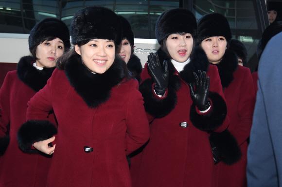 북한 예술단 북으로 귀환