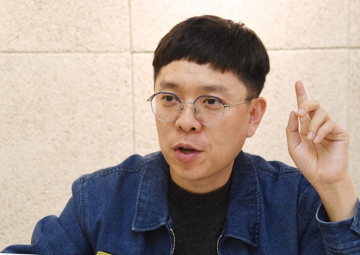 김현 시인