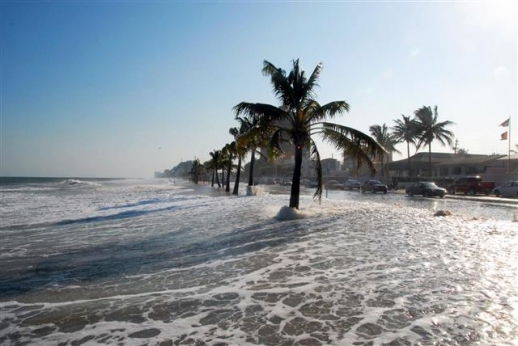 지구온난화로 인한 해수면 상승 속도가 급격히 빨라지고 있다. 이 때문에 2100년이 되면 해수면이 현재보다 60㎝ 이상 높아질 것으로 예상되고 있다. 사진은 미국 플로리다주 로더데일 해변으로, 과학자들의 예상대로라면 로더데일 해변은 금세기 말에 더이상 볼 수 없게 된다. NASA 제트추진연구소(JPL) 제공