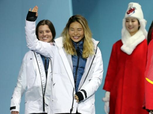 [올림픽] 시상식 참석하는 클로이 김