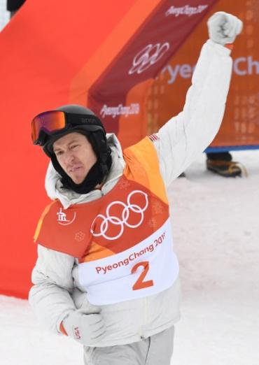 14일 오전 평창 휘닉스 스노 경기장에서 열린 2018 평창 동계올림픽 남자 하프파이프 결승에서 우승을 차지한 미국 숀화이트가 기뻐하고 있다.  박지환 기자 popocar@seoul.co.kr