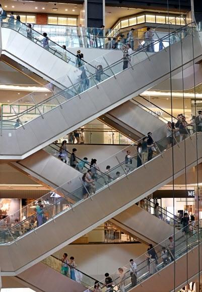 서울의 한 쇼핑몰. 연합뉴스 자료사진