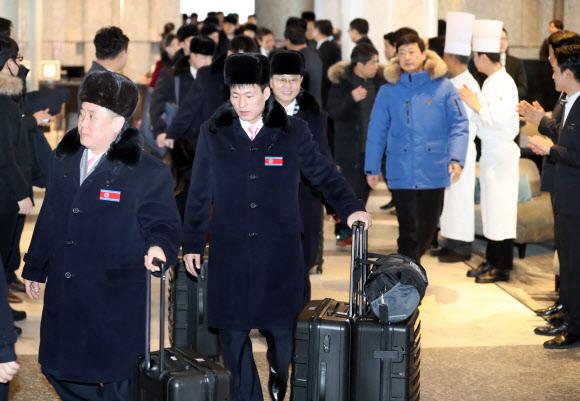 북한으로 귀환하는 태권도 시범단