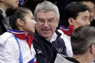 [포토] 렴대옥과 대화하는 토마스 바흐 IOC 위원장