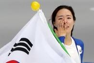 [포토] 여자 500m 은메달… 아쉬움에 눈물 흘리는 이…
