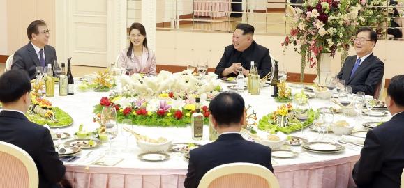 대북특사 만찬 참석한 리설주