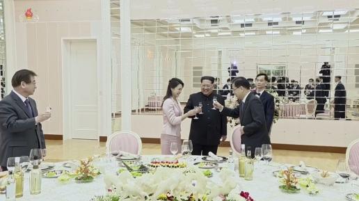 조선중앙TV, 김정은 리설주-특사단 면담.만찬 영상 공개