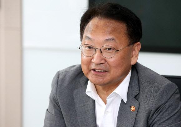 18·19대 국회의원(송파 을) 지낸 유일호 전 부총리 연합뉴스
