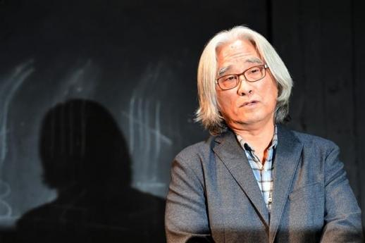 이윤택 연희단거리패 전 예술감독