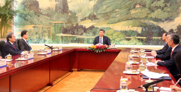 시진핑 또 혼자 상석에…외교 결례 논란