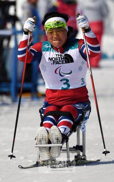 13일 강원도 평창 바이애슬론센터에서 열린 2018 평창패럴림픽 장애인바이애슬론 여자 10km 좌식 경기에서 한국의 이도연이 역주 하고 있다. 박윤슬 기자 seul@seoul.co.kr
