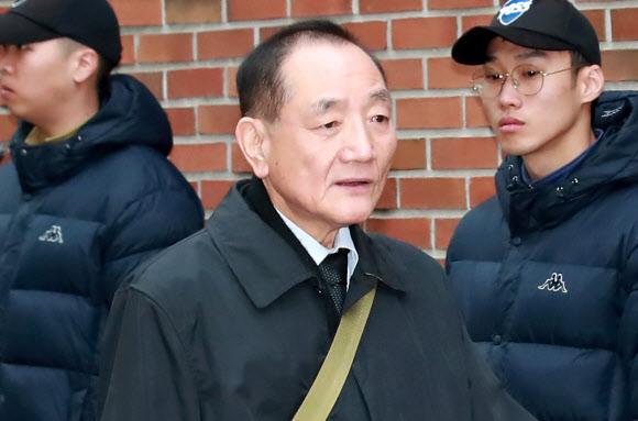 MB 자택 향하는 김효재 전 정무수석