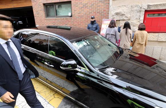 [MB소환] 검찰 향하는 이명박 전 대통령 차량
