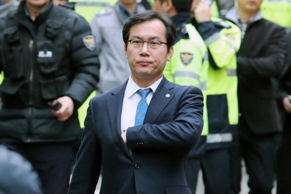 김영우 의원, 이명박 전 대통령 검찰 소환 입장 발표  연합뉴스