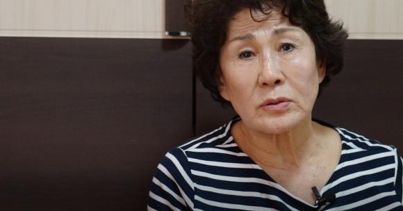 1948년 제주 4·3으로 아버지를 잃은 김용선씨가 서울신문과 만나 당시 상황을 증언하고 있는 모습.