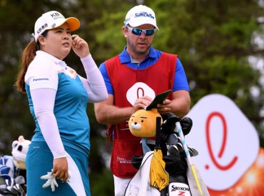 박인비(왼쪽). 게티/AFP 연합뉴스