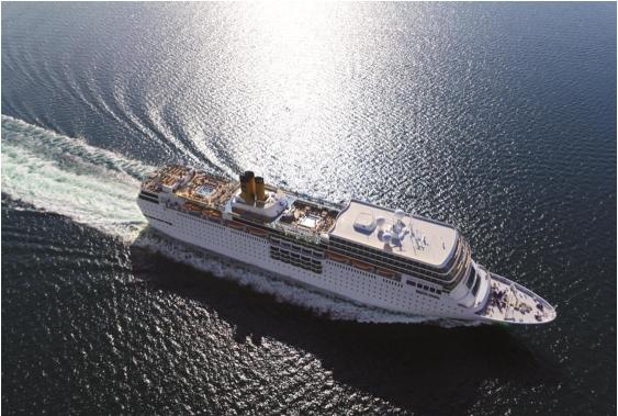 이탈리아 선적인 코스타 네오로만티카는  총 톤수가 5만 5150t으로 평균 속도는 18.5노트이며 높이는 13층 에 달한다.객실 789개와 최대 1800명 탑승이 가능하며 승무원수는 622명이다.2012년 3월 취항했다.<부산시 재공>