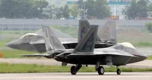 F-22 랩터 편대 한반도에