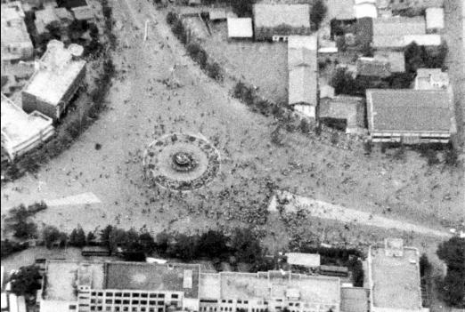 '1980' 전남도청 분수대로 모이는 시민들