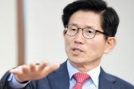 """""""안철수보다 내가 더 경쟁력… 정책 1번은 재건축·재…"""