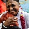 카니예 웨스트가 트위터에 사진 올린 '암마' '허그 성인' 누구길래