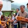 '약속 지킨 文대통령'… 지진 피해 네팔 학교 개인돈 지원