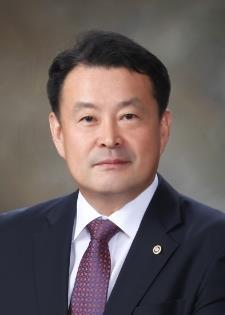 [시론] 나와 가족, 우리 동네를 위해 꼭 투표합시다/김대년 중앙선거관리위원회 사무총장
