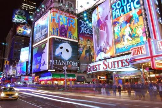 미국 뉴욕 타임스스퀘어의 야경.  위키피디아 제공