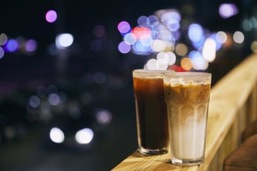 카페거리에서 바다를 마주하고 맛본 커피 한잔.
