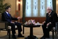"""문대통령 """"한반도평화, 동북아다자안보체제로 발전……"""