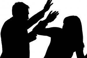 헤어진 여친한테 다른 남성 연락왔다고 무차별 폭행한 40대 실형