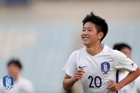해맑은 이강인 이강인은 지난해 11월 한국에서 열린 2018 아시아축구연맹(AFC) 19세 이하(U-19) 챔피언십 예선에서 태극마크를 달고 3경기 2골 1도움을 기록했다. 2018.7.2  대한축구협회 홈페이지