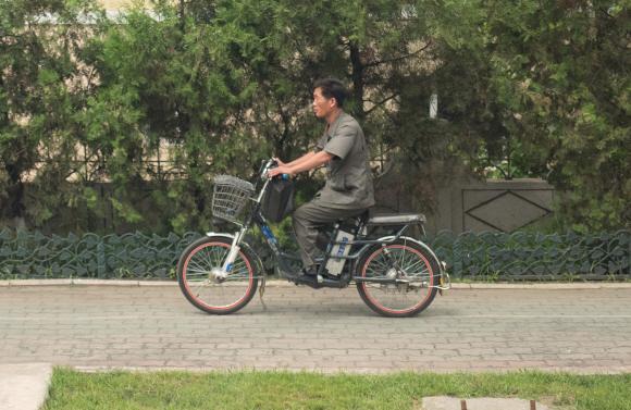 [포토인사이트] 북한의 전기 자전거