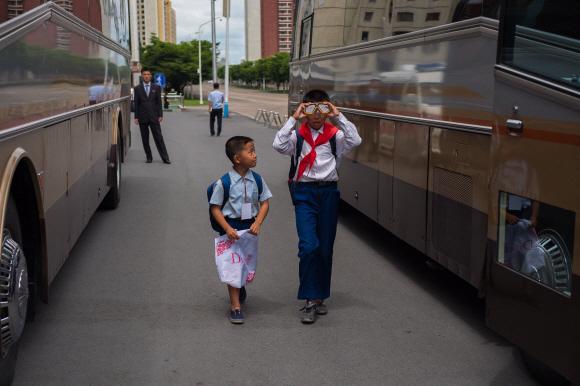 [포토인사이트] 학교가는 꼬마 동무들