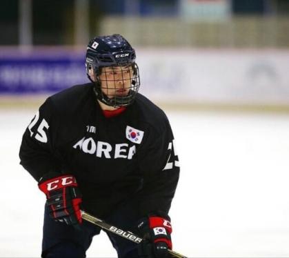 한국 아이스하키 U18 대표 출신의 유학생 최영훈 선수가 사상 최초로 USHL(메이저주니어) 진출에 성공했다.