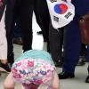 [서울포토] 홍준표 향해 큰절하는 지지자
