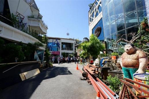 서울 중구 필동 옛 남학당 앞 거리가 스트리트뮤지엄을 지향하는 예술문화의 거리로 꾸며져 남산 일대의 새로운 볼거리, 즐길거리로 각광받고 있다.