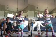4살 뇌성마비 소녀 처음으로 걷는 순간