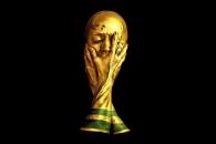 페이스 페인팅으로 표현한 월드컵 트로피