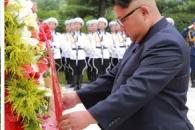 """김정은, 정전 65주년에 마오쩌둥 장남묘 찾아 """"북중 …"""