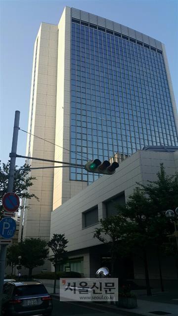 베델 브러더스의 고베 지사로 베델이 있었던 나카마치 55번지의 현재. 미쓰이 쓰미모토 은행이 들어서 있다.  민나리 기자 mnin1082@seoul.co.kr