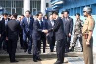남북-북미 선순환 평화구도 구축… 한반도 정세 보며 회담 일정 짤 듯