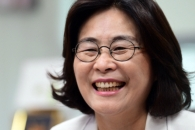 """싸움닭 유승희 """"민주당 지지율 하락 원인은 국회 특활비 때문"""""""